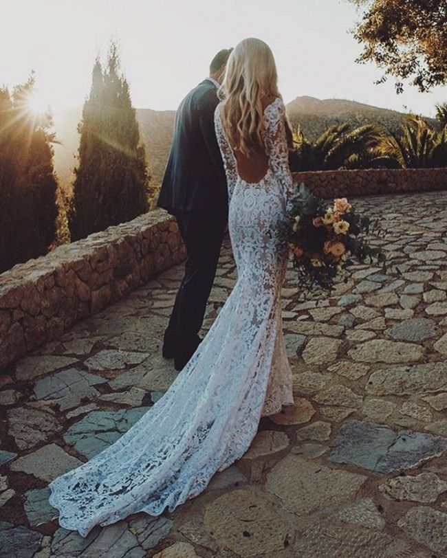 Beautiful open back wedding dress #wedding #weddingdresses #weddingdress #bridalgown #bridaldress #bride