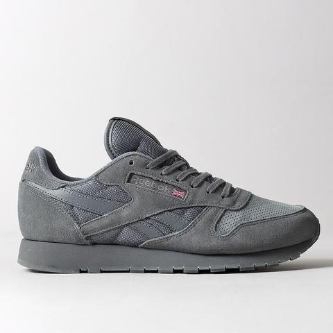5e6c8cba637 Part of the Reebok  Urban Descent Pack