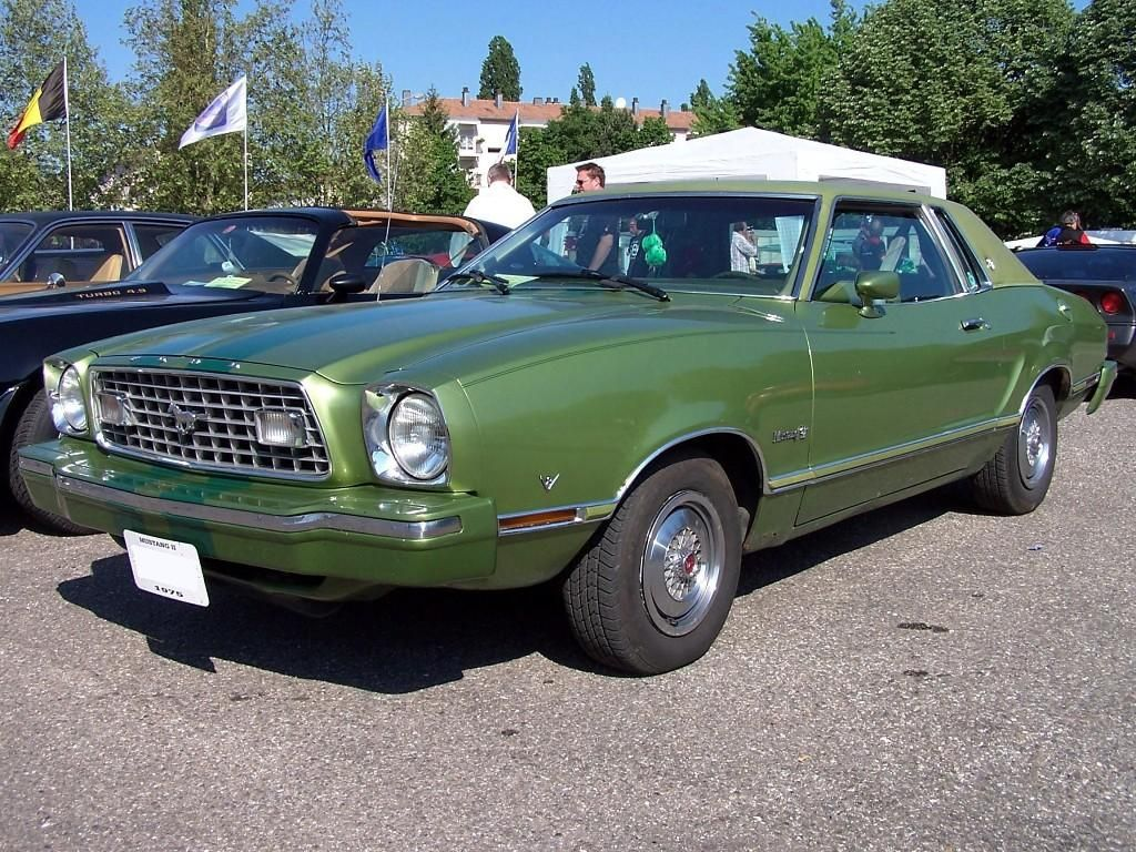 Fotos 1974 ford mustang 2nd gen 74 mustang for sale -  Dark Yellow Green 1976 Mustang Ii Hardtop With Ghia Luxury Group Options