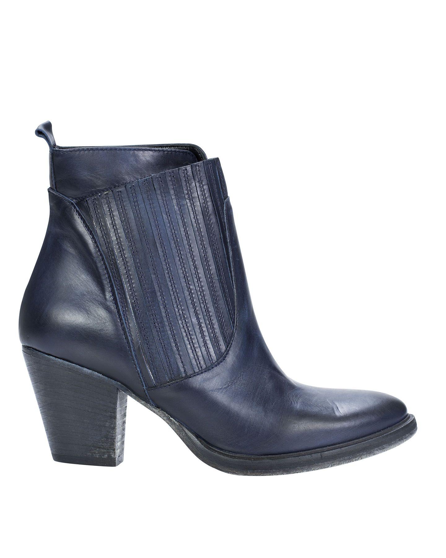"Dapatkan Heels & Wedges Buccheri hanya di Prelo App Jual Beli line Ratusan Seller Terpercaya Rekber Buccheri Shoes """