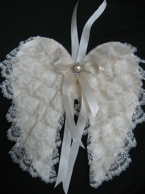 My new lace angel wings   I made these from a  tutorial  from   Dawn @ The Feathered Nest.   She has an amazing blog, and is so creati...