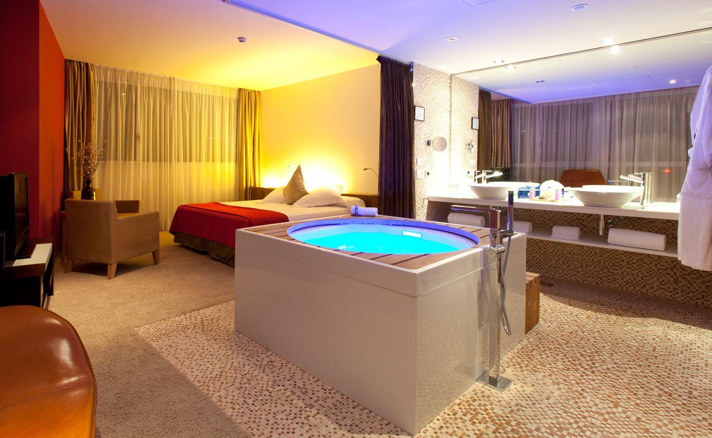 Room Hotel Ensuite Jacuzzi