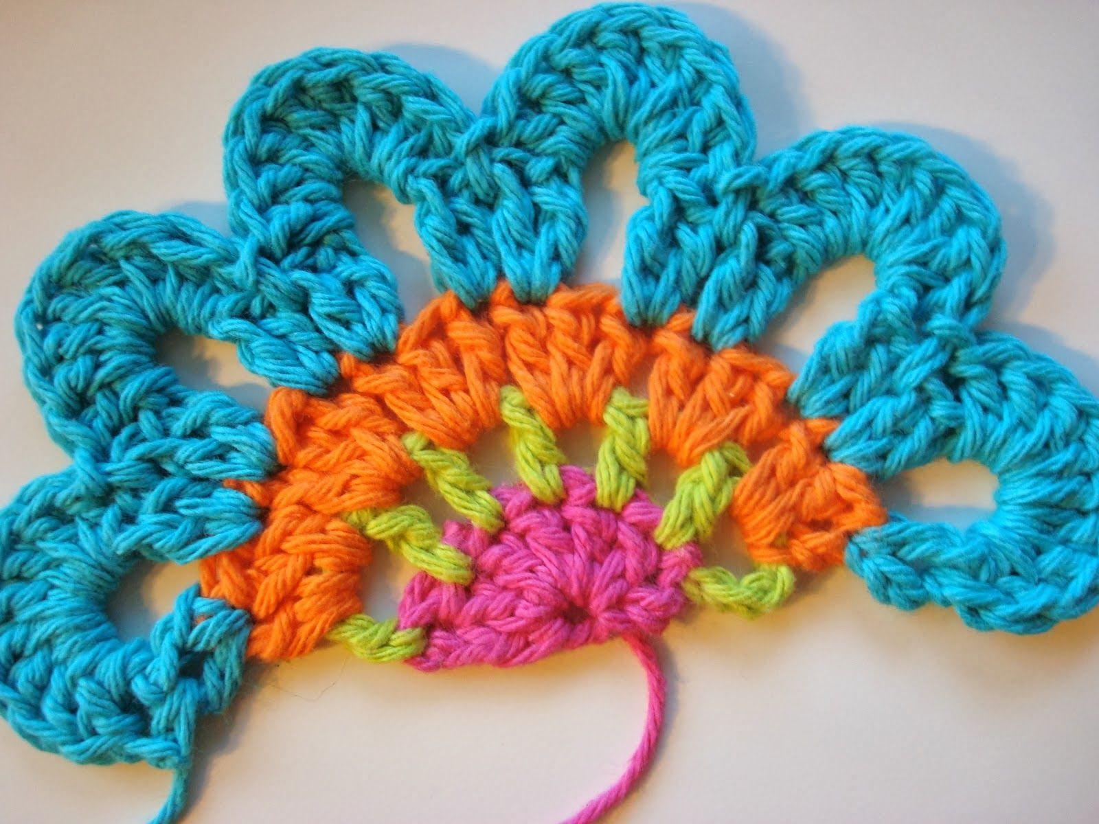 Carine Strieder e seus Crochês: Cortina de Flores em Crochê
