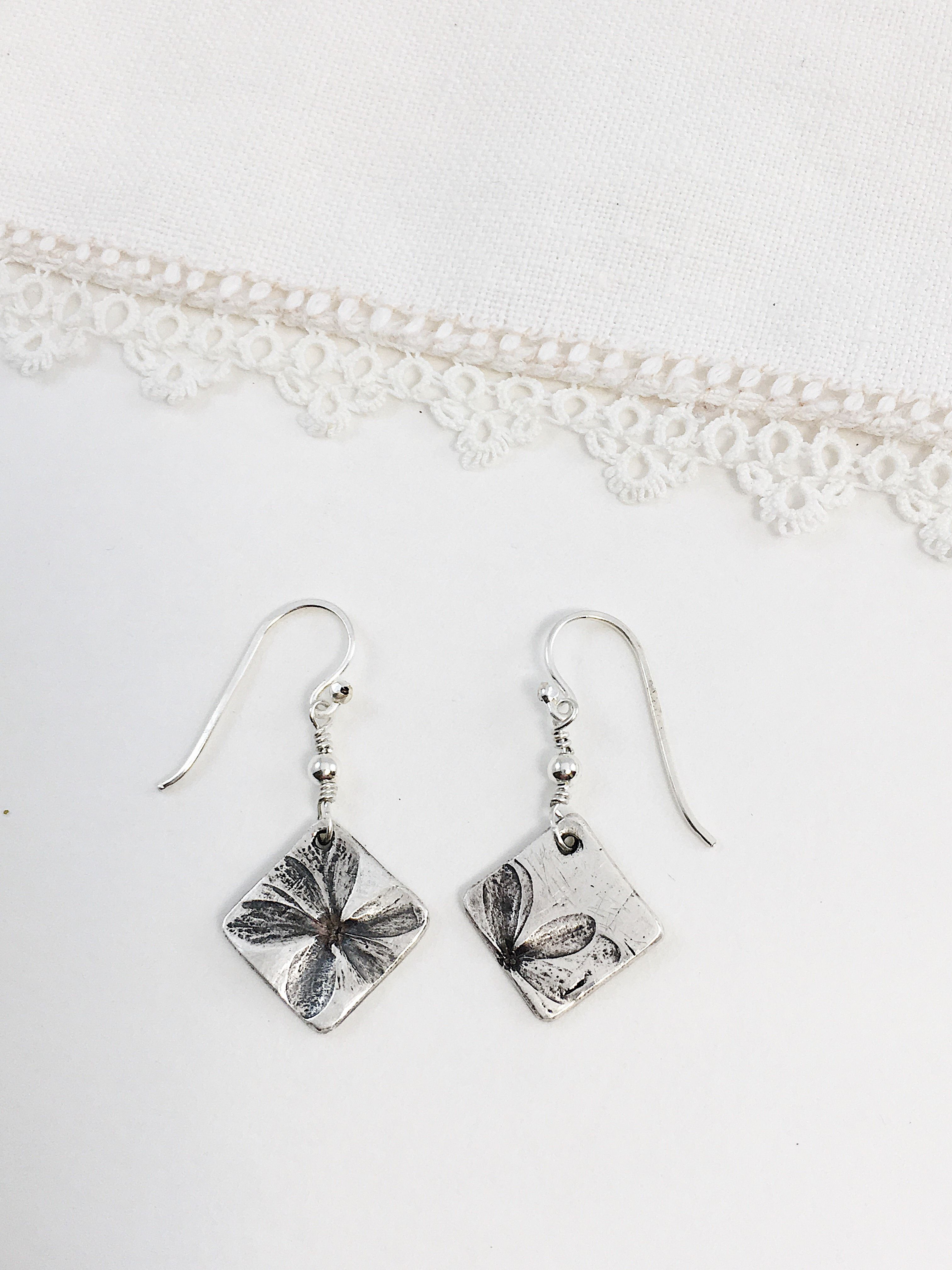 Pure Silver Flower Earrings | AC Jewelry Earrings: pebble