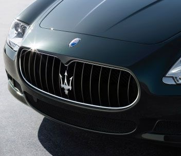 Trident Car Logo >> Maserati Badge And Trident Symbol On The Grille Of A 2009 Maserati