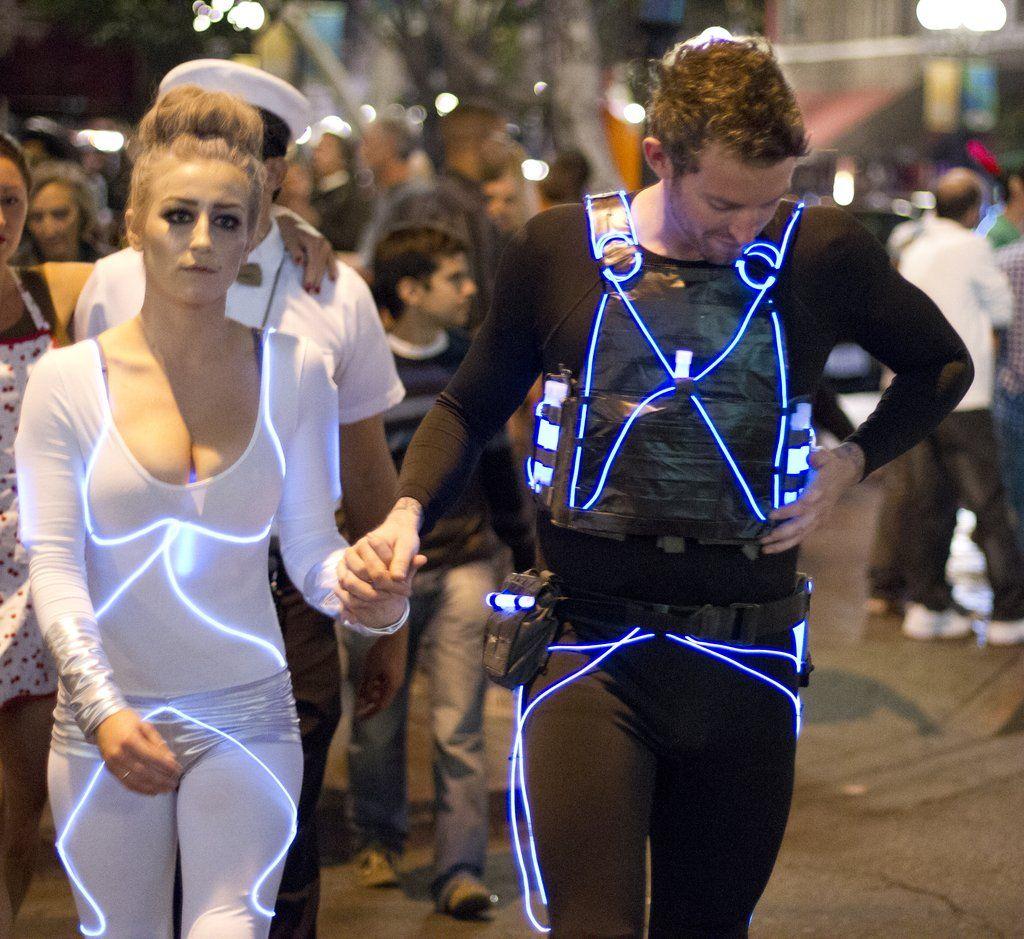 57 Cheap and Original DIY Couples Halloween Costumes   Halloween ...