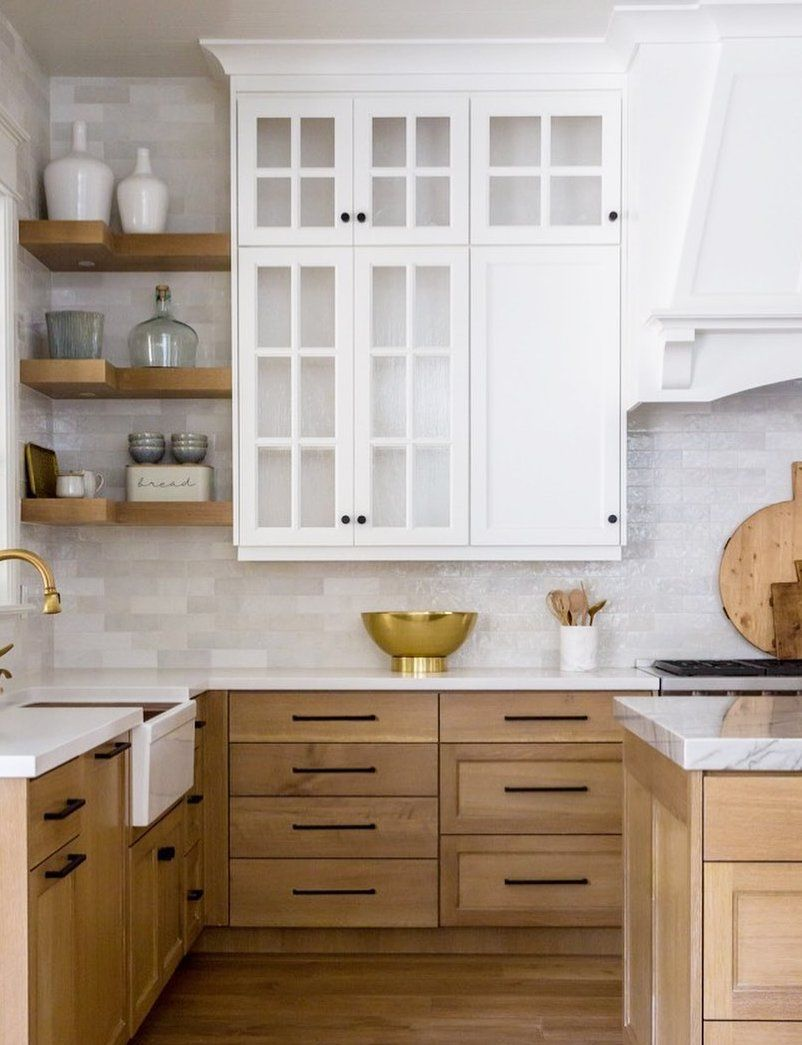 There S Something About A Marble Kitchen That So Many Interior Decorators And Home Owners Alike Love In 2020 Kitchen Cabinet Trends White Oak Kitchen Kitchen Design