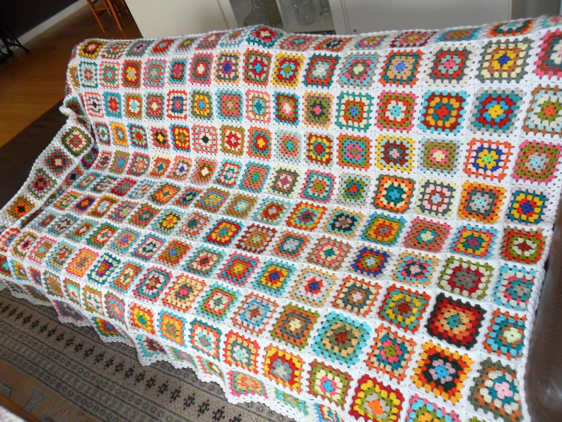 couverture de laine en crochet arc en ciel textiles et tapis par michka feemainpassionnement. Black Bedroom Furniture Sets. Home Design Ideas
