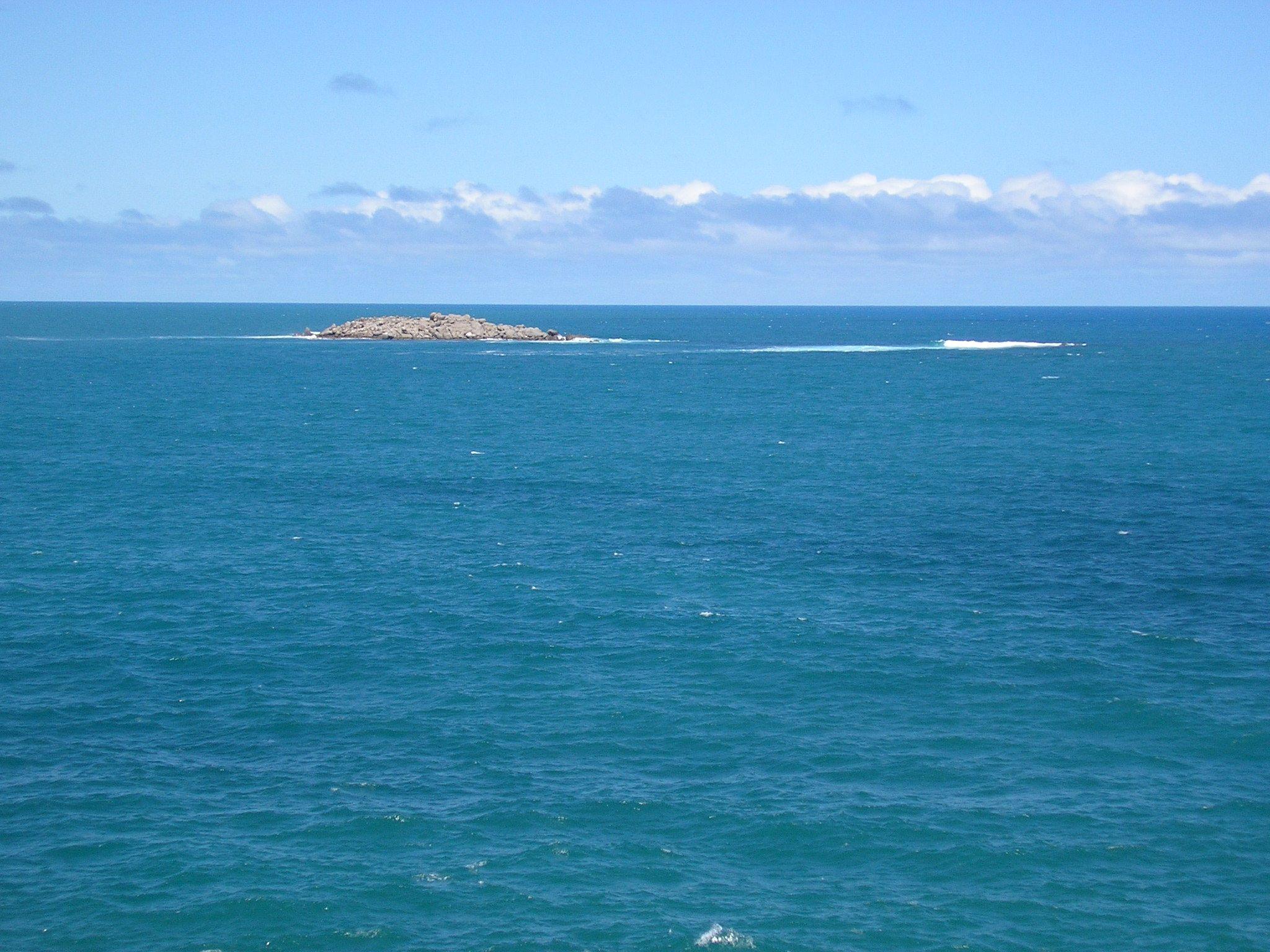 Seal Island from Granite Island, South Australia.