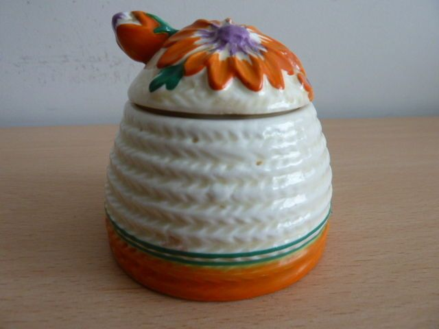 CLARICE CLIFF BEEHIVE PRESERVE POT - MARGUERITE PATTERN