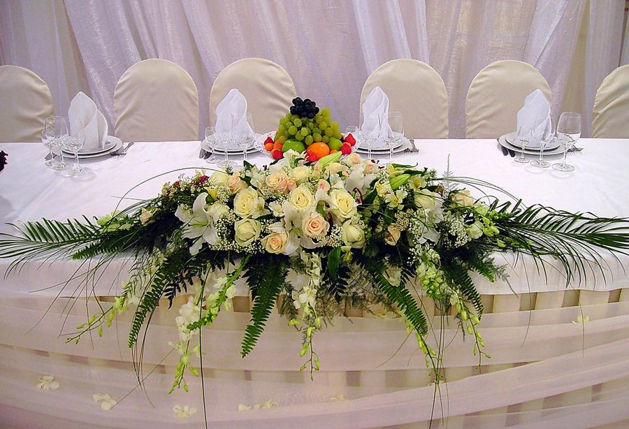 Как сделать букет из искусственных цветов на свадебный стол, кустовых