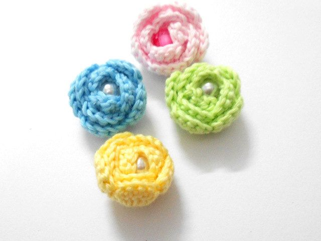 Crochet Rose Bud applique 2cm 08 inch set of 4 light pink by Chieu ...