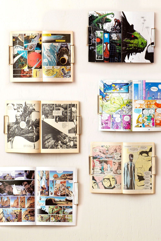 Comics Hanged In The Magazine Wall Hanger
