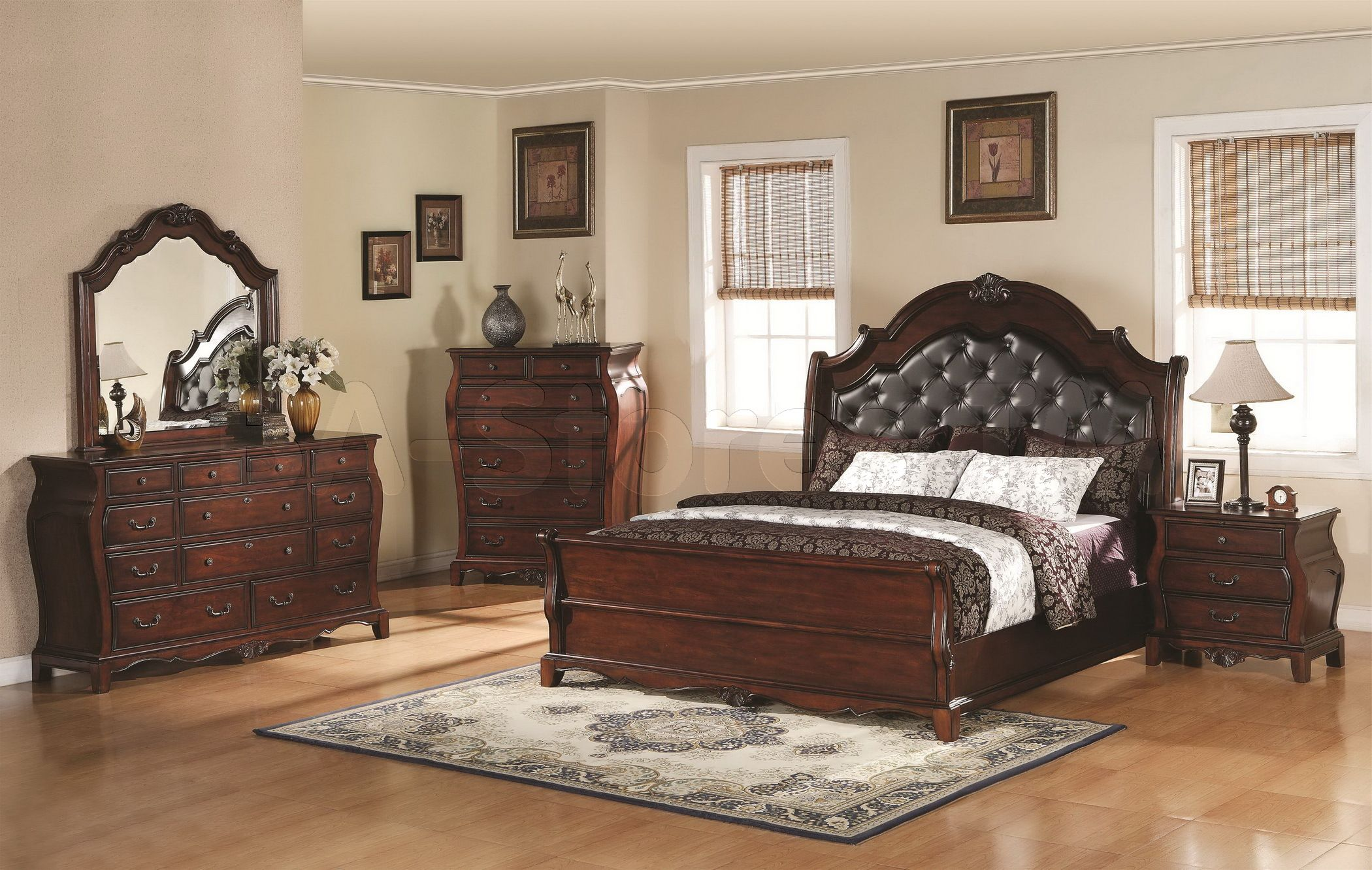 traditional-bedroom-furniture-sets-as-traditional-bedroom-decorations-by-Bedroom-decor-looks-obtained-from-many-references-Bedroom-7.jpg (2100×1332)