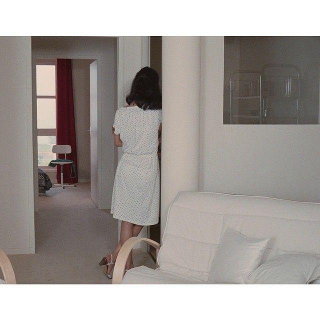 four adventures of reinette and mirabelle eric rohmer. Black Bedroom Furniture Sets. Home Design Ideas