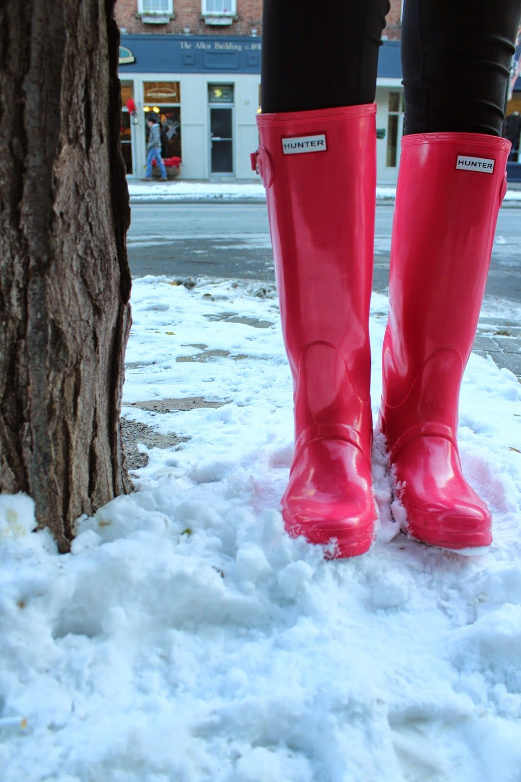 My pink Hunter boots are coming in handy for not only rain, but snow too! Click the photo to view this blog post.