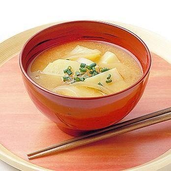 Japanese Food Recipes: Potato and Onion Miso Soup Recipe