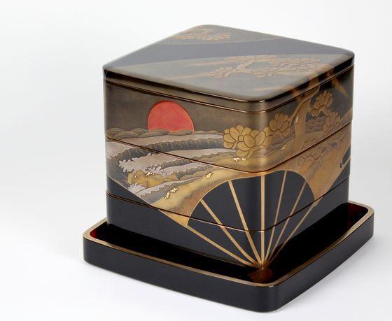 輪島塗三段重箱 扇面日の出波蒔絵