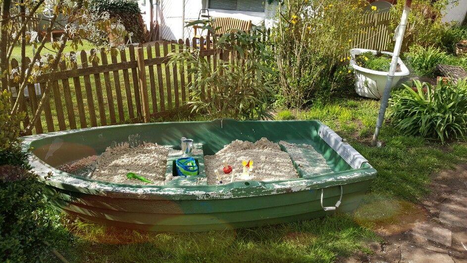 Altes Boot Wird Zum Sandkasten Sandkasten Garten Kinderspielplatz Garten Garten Spielplatz