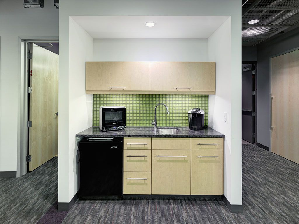 Milliken S In Color And The Basics Spectrum Featured In Jadak Technologies In North Syracuse Ny Design By De Corporate Design Carpet Design Floor Coverings