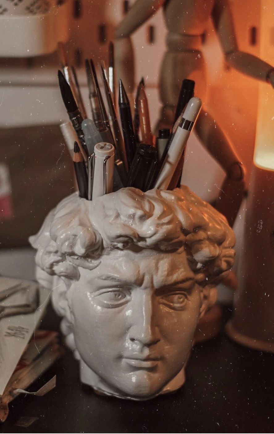 Brush holder. White plaster. Plaster bust. David by Michelangelo. Greek Statue #Antique #Bust #David #desk #Etsy #Holder #Michelangelo #Organizer #Pen #work office decor white