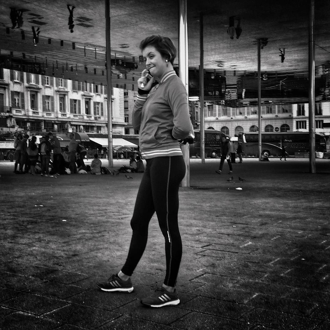 #people of the #street #marseille #bnw_europe #bnwlife #bnwlovers #marseillerebelle #massalia #streetphotography #instamarseille #planetemars #laviesurmars #streetphoto