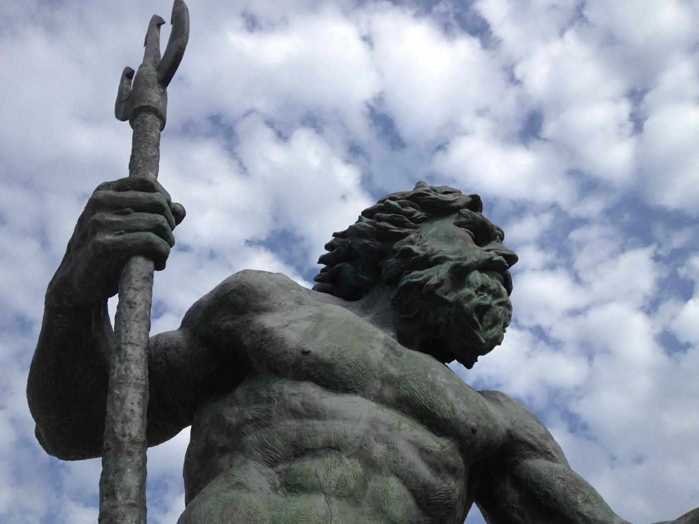 Jon Lucas (jonartlucas) on about.me Estatuas, Poseidón