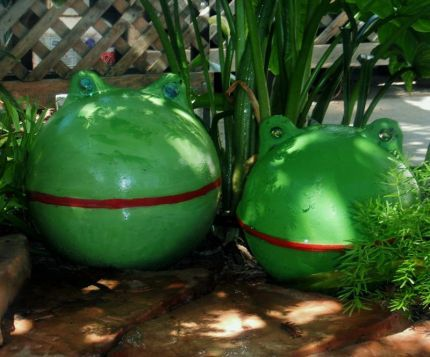 These are too cute!! They are made from buoys. I wonder where I can find some???