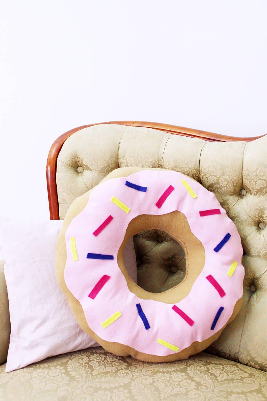 DIY Donut Kissen selber machen: Variante mit und ohne Nähen ...