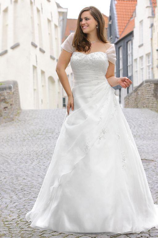 LadybirdXL2.jpg (512×768) | Hochzeit | Pinterest | Brautkleider