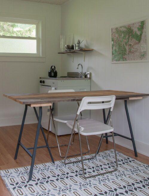 Mesa y estantería (mínimo presupuesto)