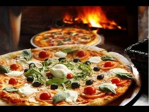 Pizza Napoletana Fatta In Casa Impasto Base Ricette Pizza Pizza Napoletana