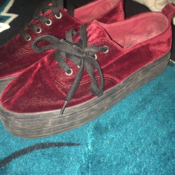 Swayed burgundy & black, platforms Swayed burgundy H&M Shoes Sneakers