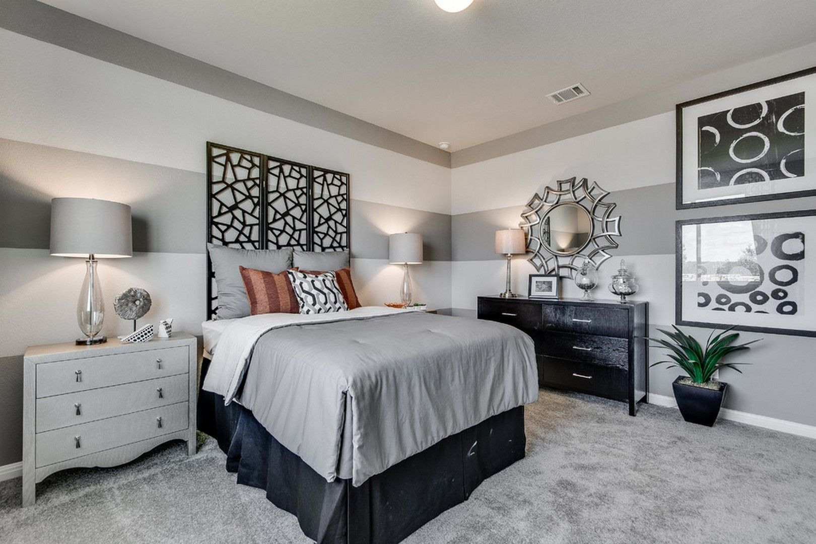 28 Grey Carpet Bedroom Ideas That Will Embrace The