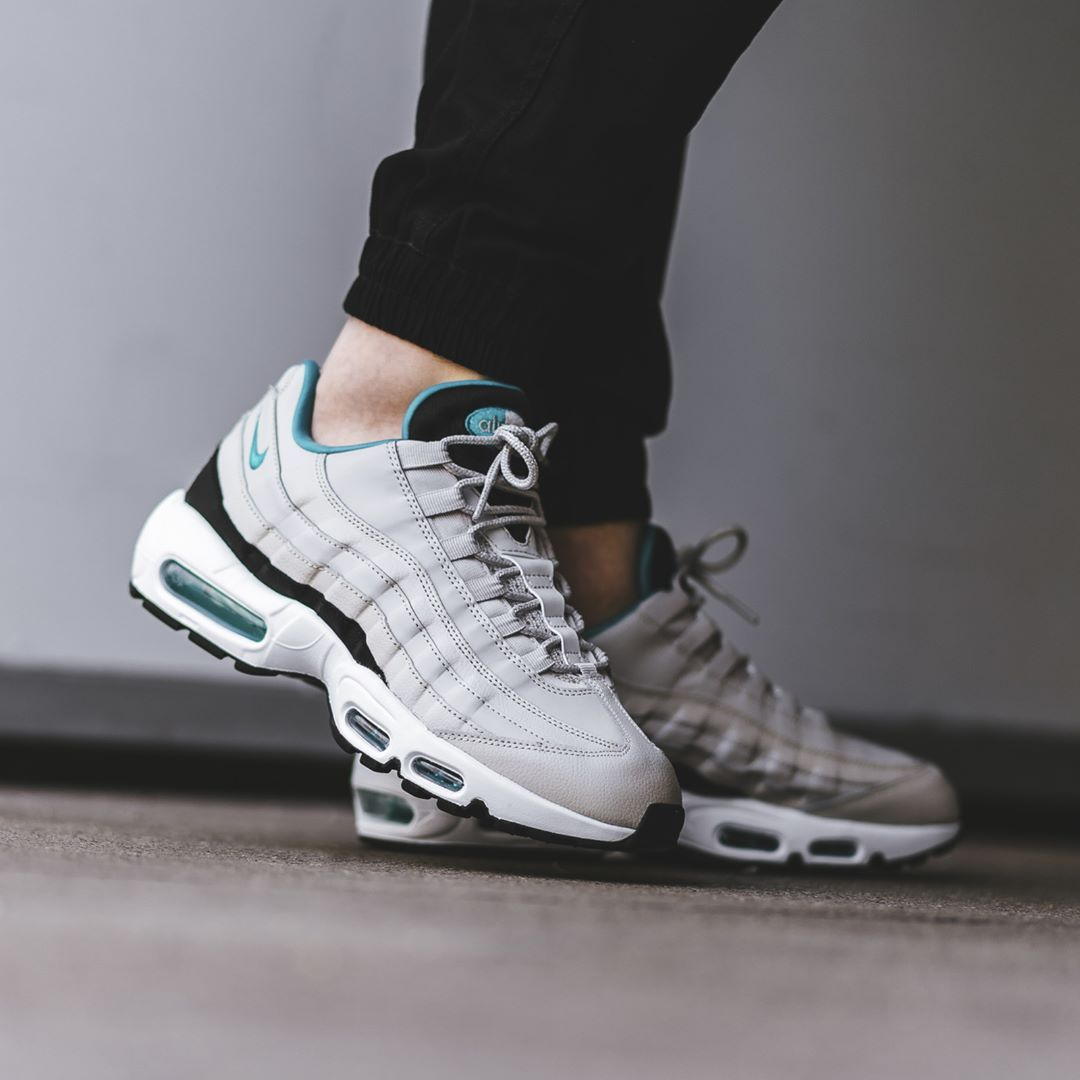 Nike Air Max 95 Essential White / Sport Turquoise Credit : BSTN