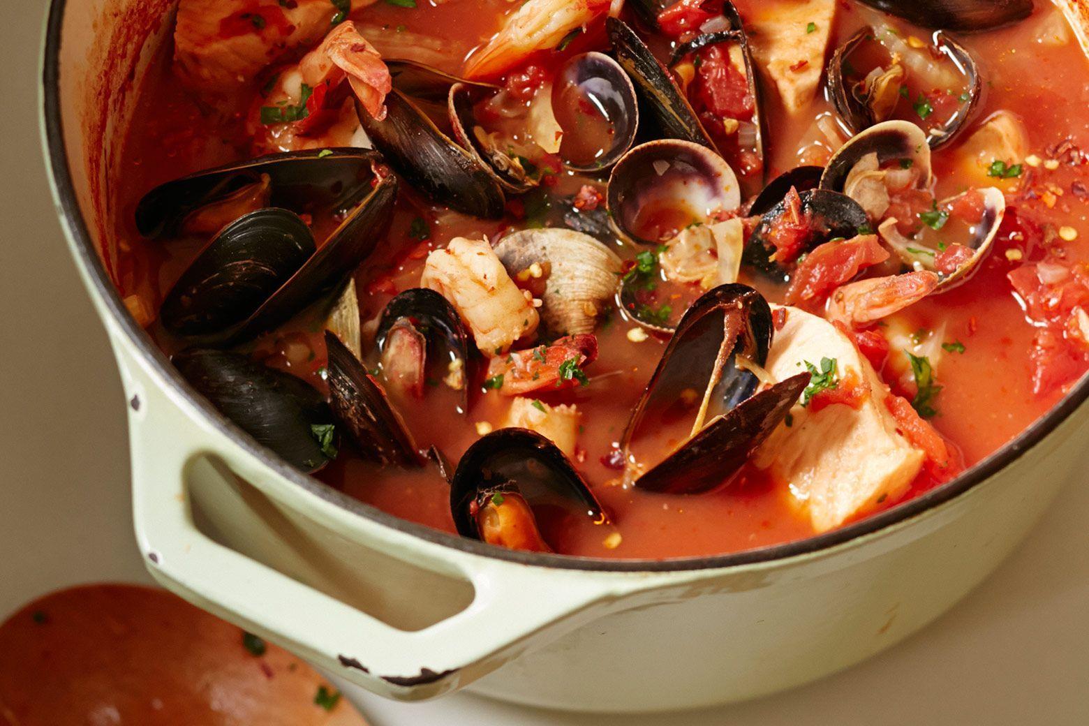 Slow cooker cioppino by giada de laurentiis giadaweekly for Crockpot fish recipes