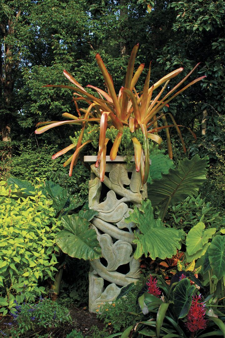 Why You Need Focal Points (With images) | Garden design ...