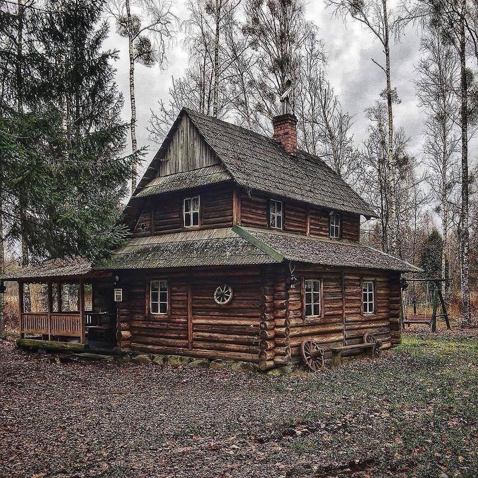 картинки старых бревенчатых домов шестилетнем возрасте