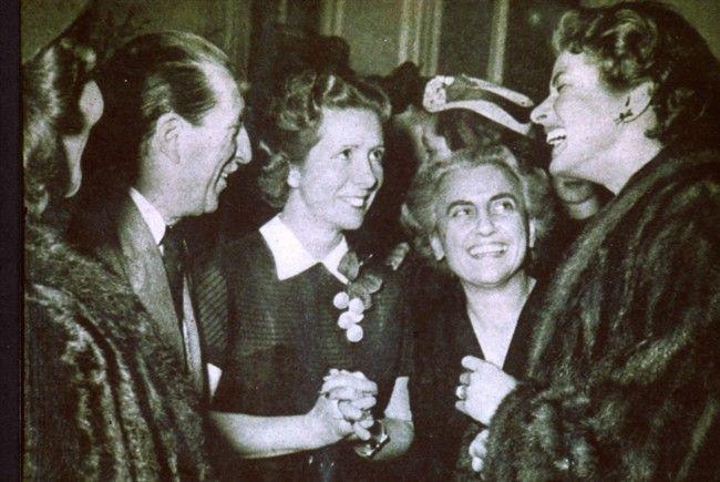 Ingrid Bergman con Fernanda Gattinoni (1951)