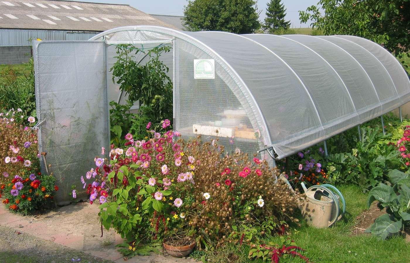 mini serre de jardin etagres plastique serre jardin with mini serre de jardin guide duachat. Black Bedroom Furniture Sets. Home Design Ideas