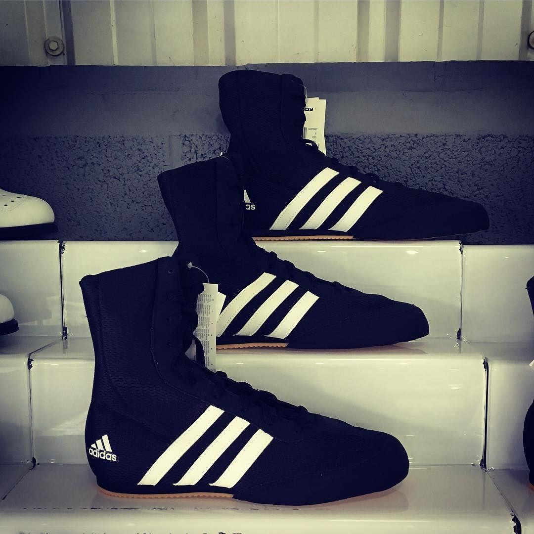 Adidas BoxHog Boxing Boots all sizes now back in stock  45 while stocks last  #Rigsfitness #Birmingham #Moseley #Edgbaston #Solihull #Adidasboxing #BWL #Birminghamboxing #Competition #Fightwear #Sports #training #crossfit #trainlikeanathlete #mma #instafit #gym #gymtime #fitfam #boxhog #adidas #august #uk #boxingboots #boxing #brumlife #brumgyms
