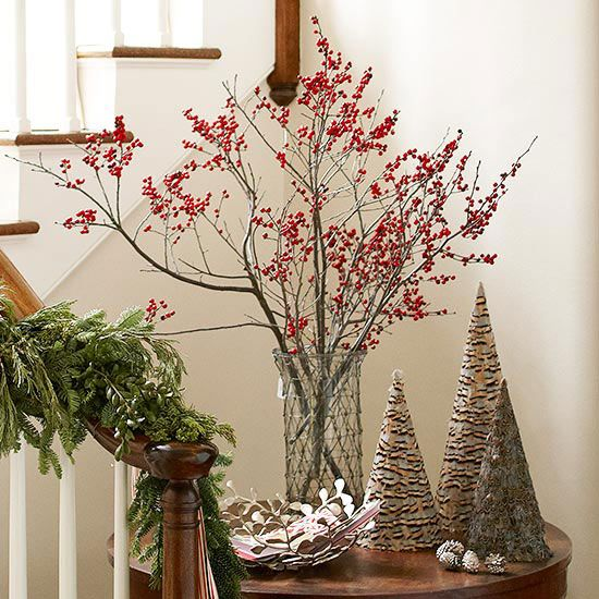Easy Low-Cost Christmas Projects | Berry, Pinecone and Holidays