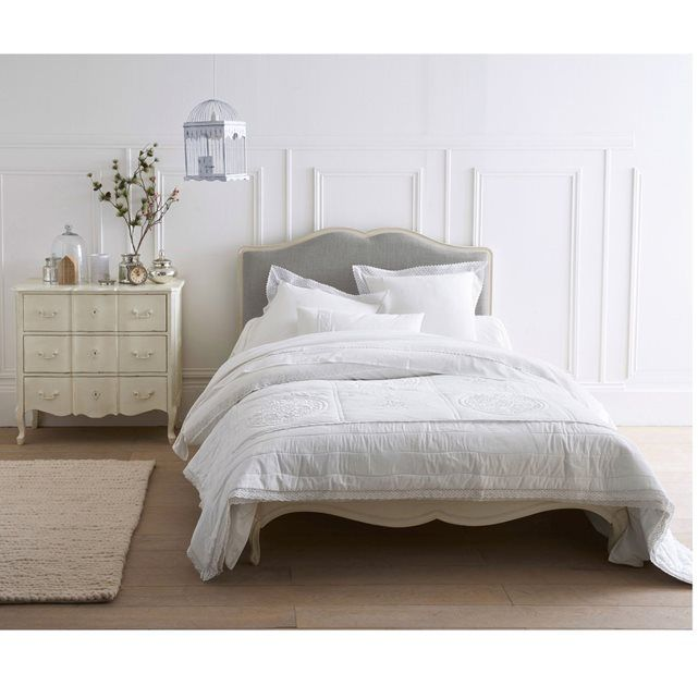 cache sommier la redoute lit pin massif avec sommier et. Black Bedroom Furniture Sets. Home Design Ideas