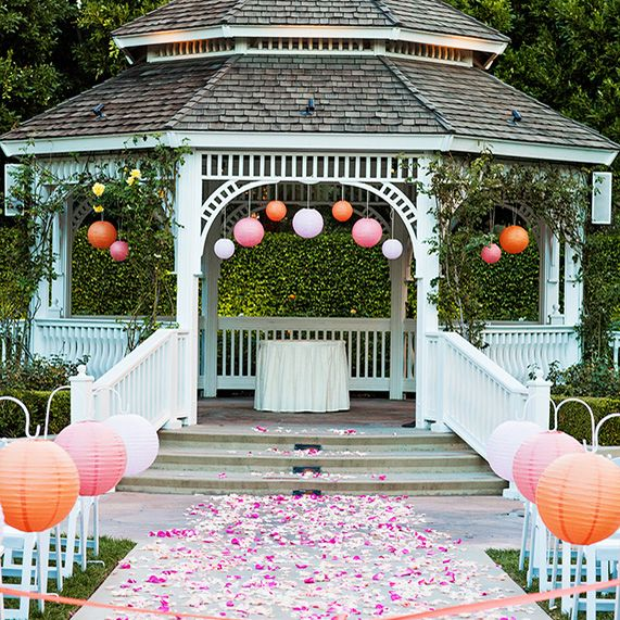 8 ways to decorate the rose court garden gazebo garden for Outdoor wedding gazebo decorating ideas