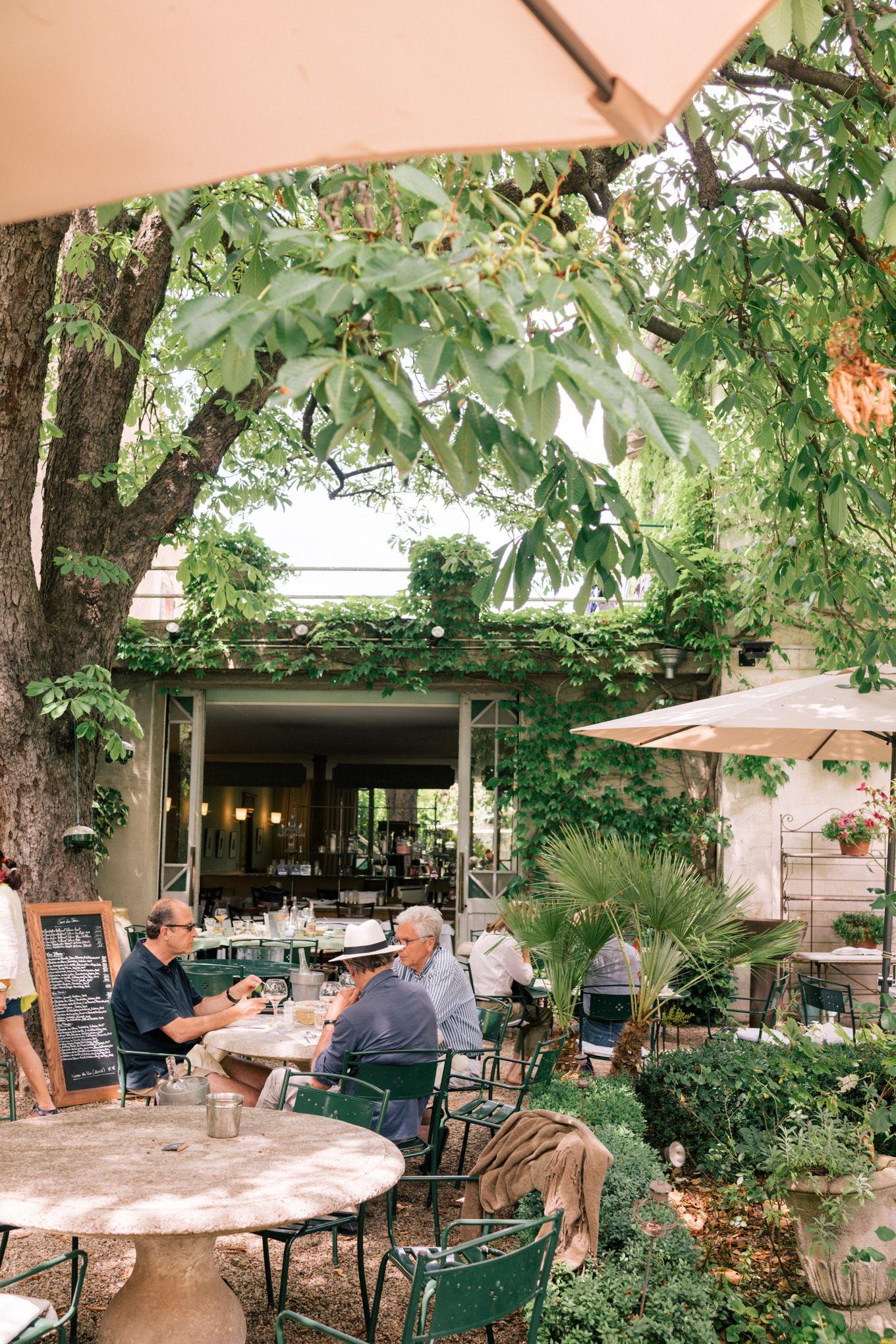 L Isle Sur La Sorgue Fontaine De Vaucluse Gordes Provence Julia Berolzheimer France Travel Provence France Beautiful Places To Visit
