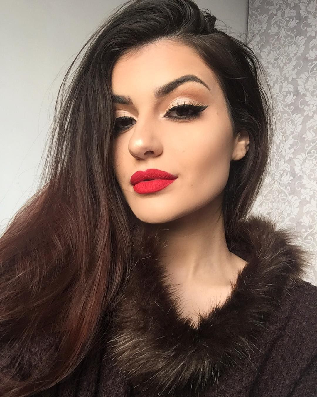 Pin by Shantall Alam on portraits in 2019 Red lips