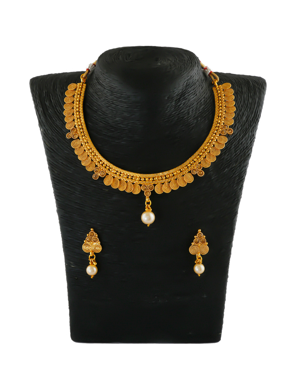 Simple Traditional Gold Finish Stunning Necklace For Girls