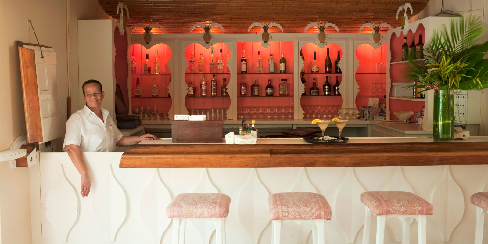 Behind the Scenes At Lyford Cay Bars for home, Bar lounge