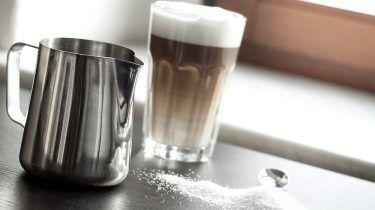 Hoe maak je de perfecte latte macchiato? - Culy.nl #lattemacchiato
