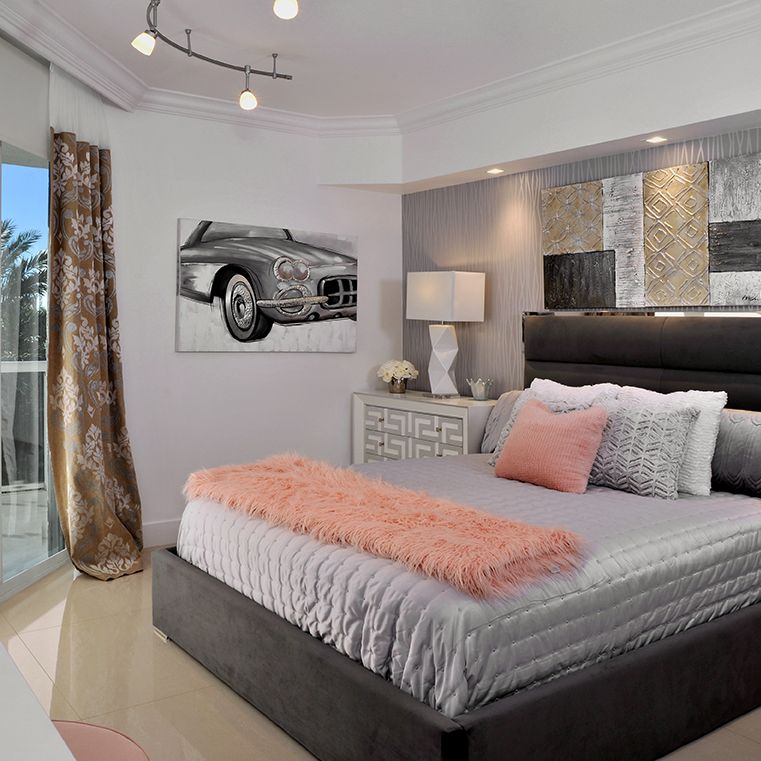 Modern Guest Bedroom With Pink Accents Guestbedrooms Bedrooms Bedroomideas Modern Guest Bedroom Guest Bedroom Design Modern Bedroom
